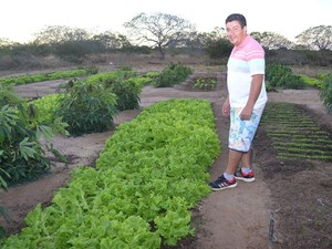 Saulo defende que é pssível produzir com qualidade no semiárido (Foto: Cristovão Braga/Arquivo Pessoal)