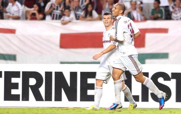 Samuel Rosa, Fluminense e Santos (Foto: Dhavid Normando / Photocamera)