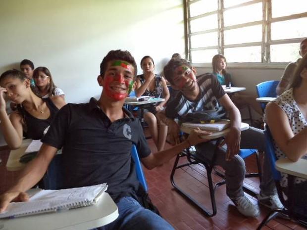 Alunos da universidade dão aulas preparatórias para candidatos ao Enem no Acre (Foto: Wenderson Souza/Arquivo Pessoal)