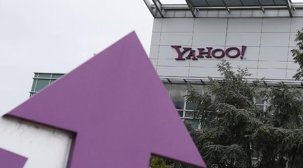 Logo do Yahoo é visto diante da sede da empresa em Sunnyvale, na Califórnia (Foto: Justin Sullivan/Getty Images)