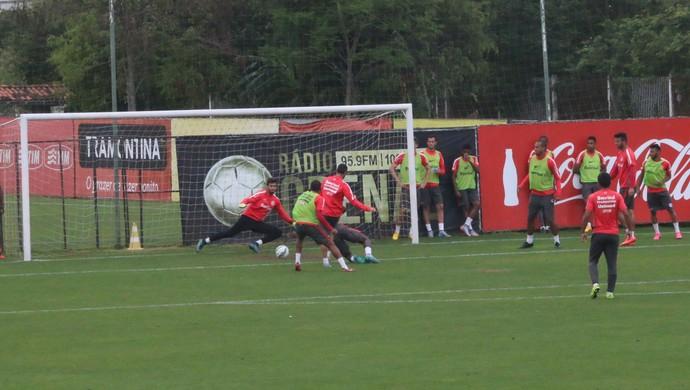 Argel comanda treino do Inter (Foto: Tomás Hammes)