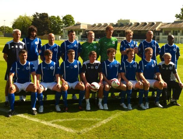 seedorf ciom o time do resto do mundo pra o jogo beneficente do Soccer Aid (Foto: Reprodução / Twitter)