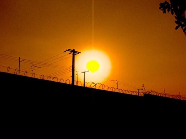 Quatro cidades da região de Ribeirão Preto (SP) registraram calor recorde na terça-feira (Foto: Reprodução/EPTV)