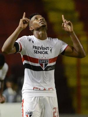 Sport x São Paulo Thiago Mendes (Foto: Chico Peixoto/LeiaJáImagens/Estadão Conteúdo)