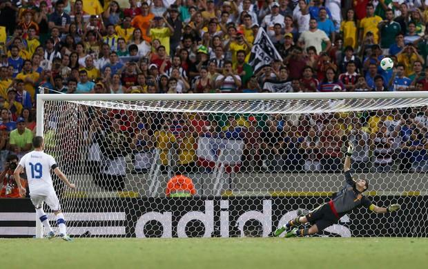 Bonucci perde penalti, Espanha x Itália (Foto: Reuters)