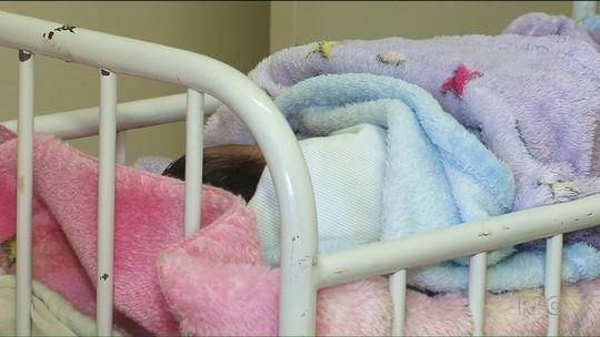 Justiça aguarda família para decidir destino de bebê abandonado no PR