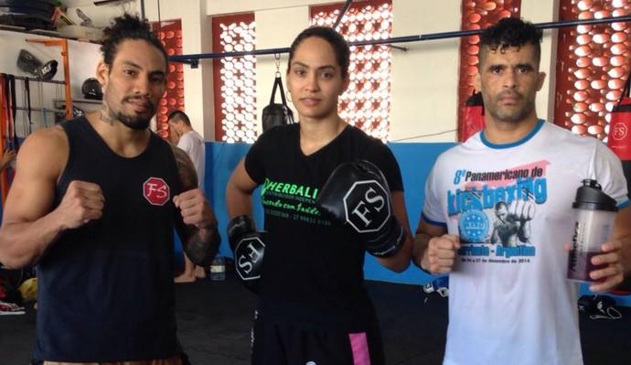 Weber Netto, Bárbara Nepomuceno e Rodrigo Surerus representam o ES no Brasileiro de kickboxing (Foto: Divulgação/Arquivo Pessoal)