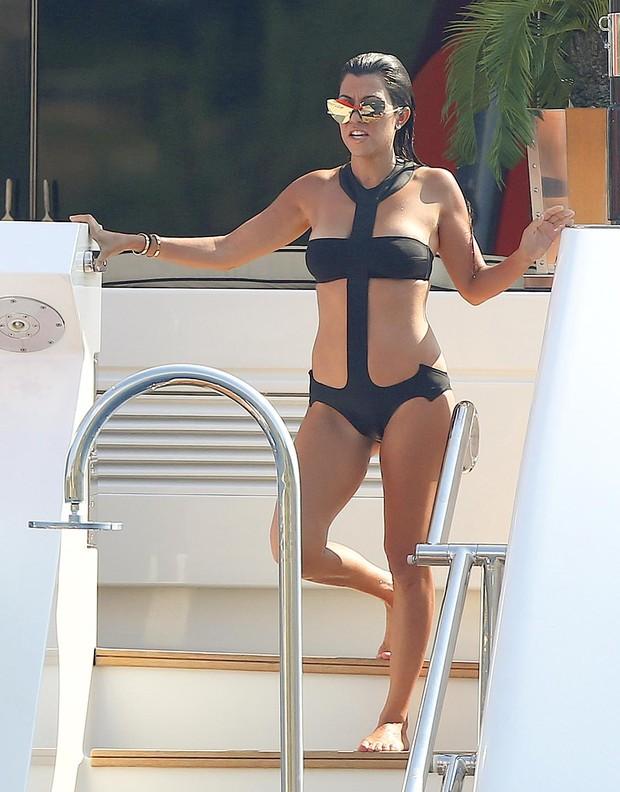 Kourtney Kardashian  (Foto: The Grosby Group)