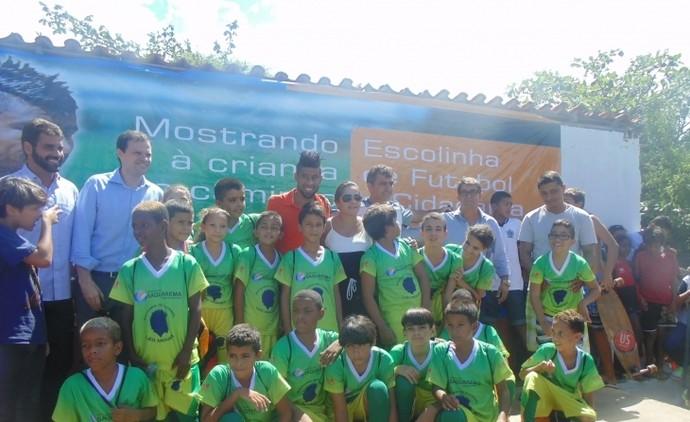Léo Moura inaugura escolinha de futebol em Saquarema (Foto   Divulgação Prefeitura de Saquarema 7995f3ef2bda0