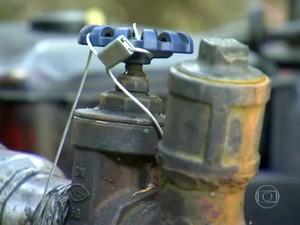 Interdição de bombas de irrigação em Piedade (Foto: Reprodução/TV TEM)
