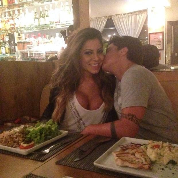 Andressa Ferreira e Thammy Miranda em restaurante em São Paulo (Foto: Instagram/ Reprodução)