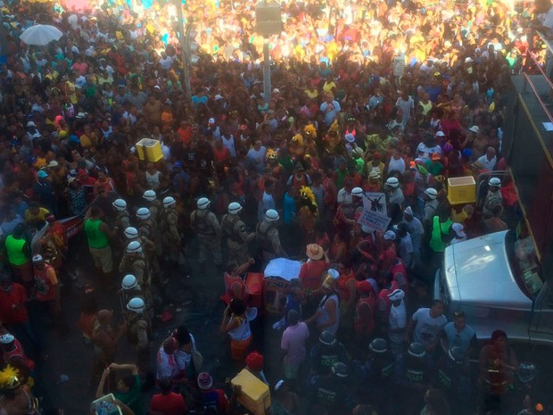 Protesto contra o presidente Michel Temer parou andar de trios (Foto: Hailton Andrade / G1)