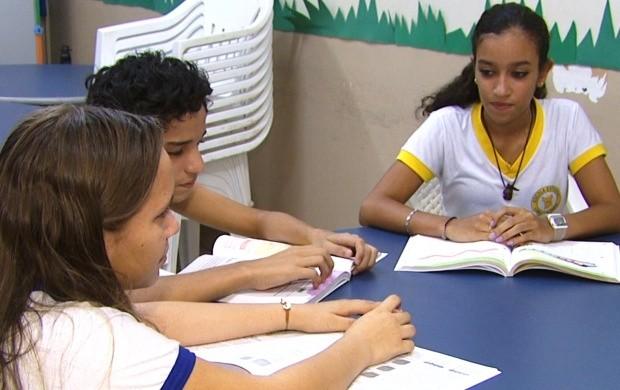 Alguns dos alunos que receberam medalha (Foto: Bom Dia Amazônia)