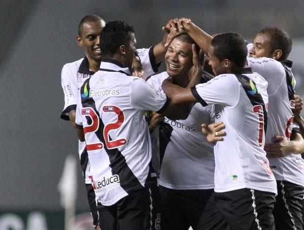 Nilton gol Vasco x Flamengo (Foto: Luciano Belford / Ag. Estado)