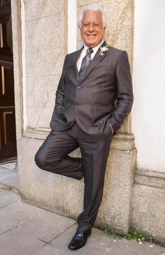 Antonio Fagundes, que brilhou como Afrânio, em 'Velho Chico', posa charmoso nos bastidores (Foto: Felipe Monteiro/ Gshow)