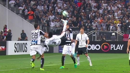 """Jô, Lucca e Kieza marcaram em lances """"diferentes"""": qual é o gol mais bonito?"""