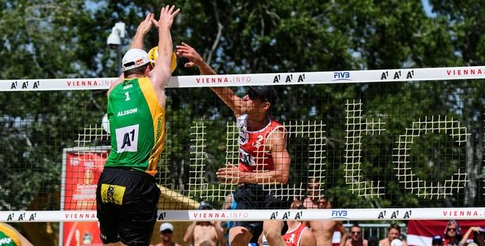 Alison e Bruno Mundial de vôlei de praia (Foto: Divulgação / Fivb)