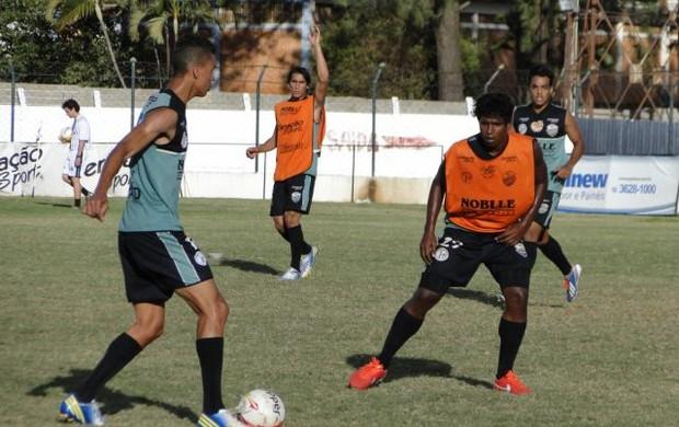 Zé Artur, volante do Comercial (Foto: Gabriel Lopes / Comercial FC)