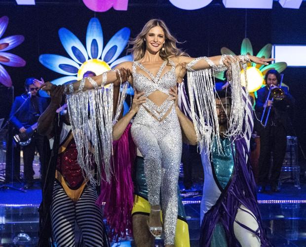 Fernanda dança no último programa da temporada (Foto: Raphael Dias/Gshow)