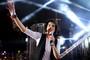 Vencedor do The Voice Brasil, Sam Alves cantou no Planeta Atlântida SC