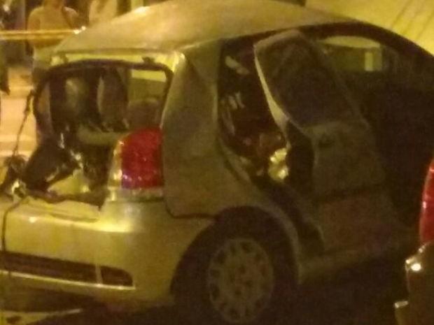 Veículo da vítima ficou destruído (Foto: G1)