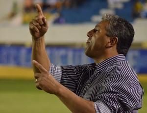 Gilberto pereira ficou satisfeito com o resultado (Foto: João Áquila/GLOBOESPORTE.COM)