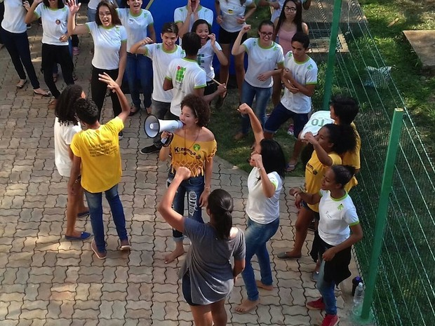 Estudantes no momento da desocupação no IFTO  (Foto: Jordana Caroline)