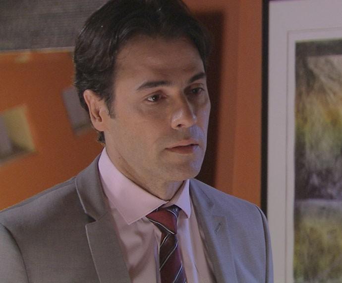 Sérgio é desprezado por Ivan (Foto: TV Globo)