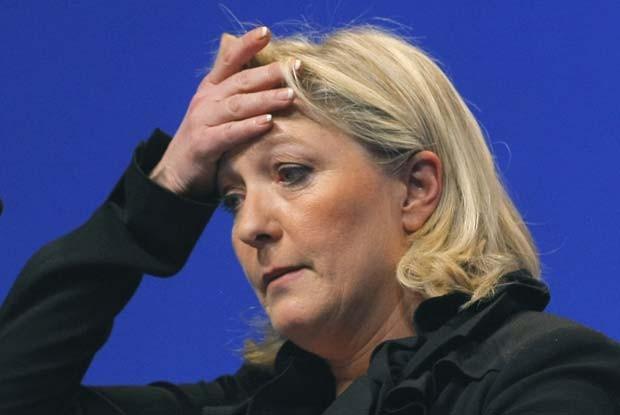 A candidata à presidência da França Marine Le Pen em evento de campanha na terça-feira (17) (Foto: AFP)
