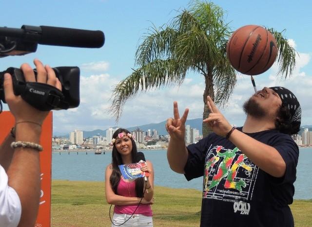 Dança e basquete são as habilidades  (Foto: Géssica Valentini/RBS TV)