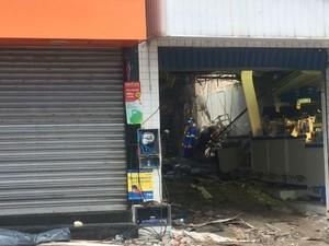 Tragédia em farmácia deixou 9 mortos na Bahia (Foto: Juliana Almirante / G1 Bahia)
