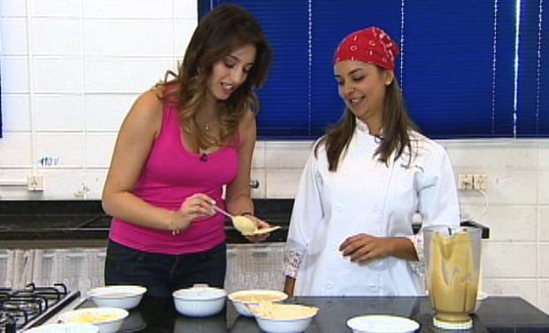 A chef Débora Nejaim em sua segunda participação no quadro Menu, comandado por Ana Paula Torquetti (Foto: Reprodução/TV Vanguarda)