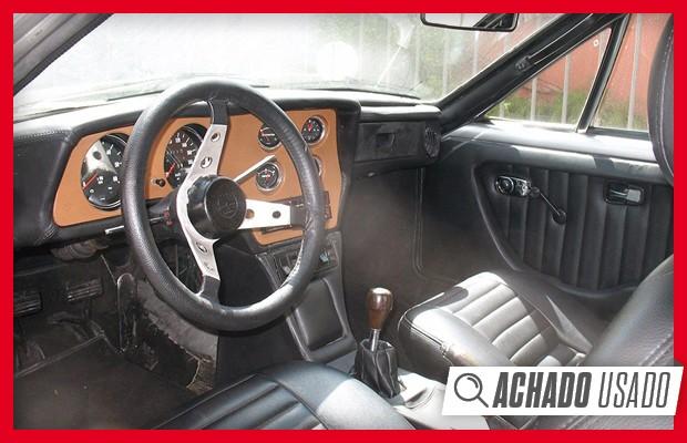Detalhes do interior parecem ser originais neste VW SP2 com placa preta (Foto: Divulgação)