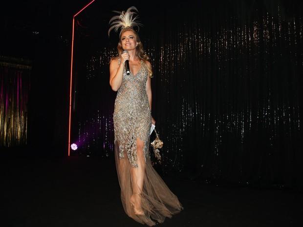 Angélica em baile de gala em São Paulo (Foto: Manuela Scarpa/ Foto Rio News)