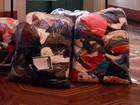 Defesa Civil e escolas recolhem agasalhos para doações no RS