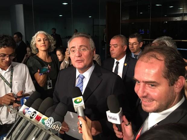 Renan Calheiros critica a Lava Jato em entrevista no Senado (Foto: Gustavo Garcia / G1)