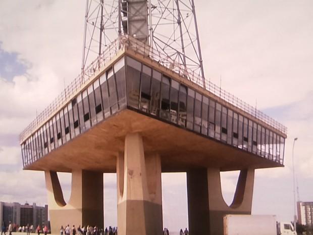 Torre de TV que fica localizada no Eixo Monumental, em Brasilia (Foto: TV Globo/ Reprodução)