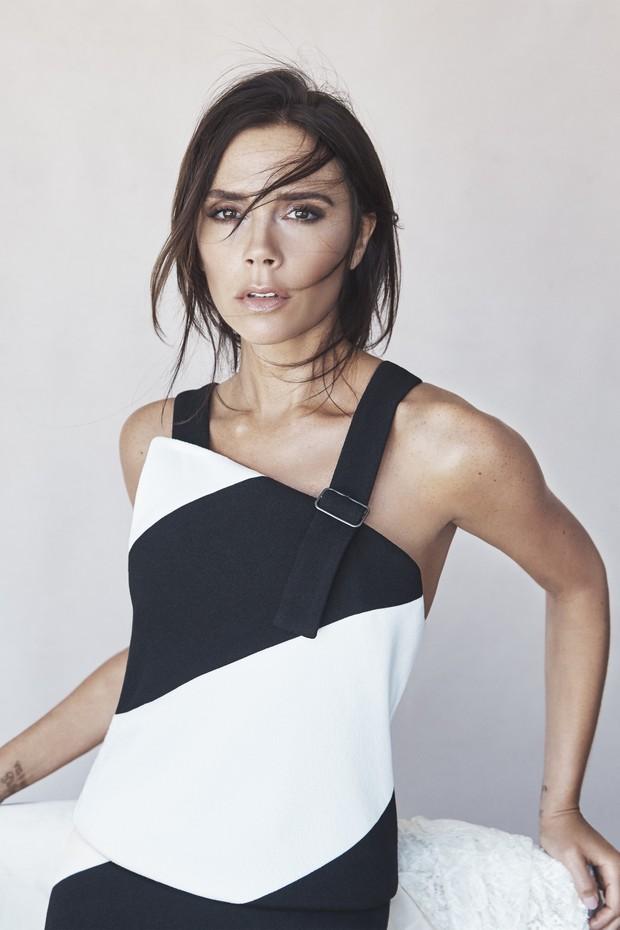 Victoria Beckham lança linha de maquiagem com a Estée Lauder