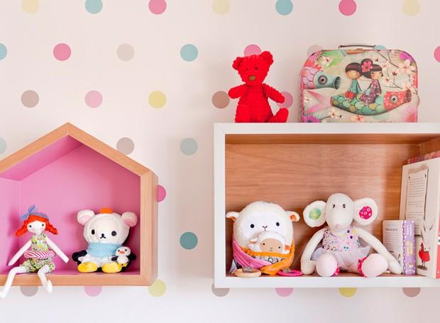 quarto-de-crianca-menina-rosa-colorido-caixas-pelucias (Foto: Mariana Lima/Divulgação)