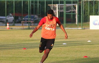 Em treino, Daniel Paulista mostra dúvida entre Ruiz e Vinícius no Sport