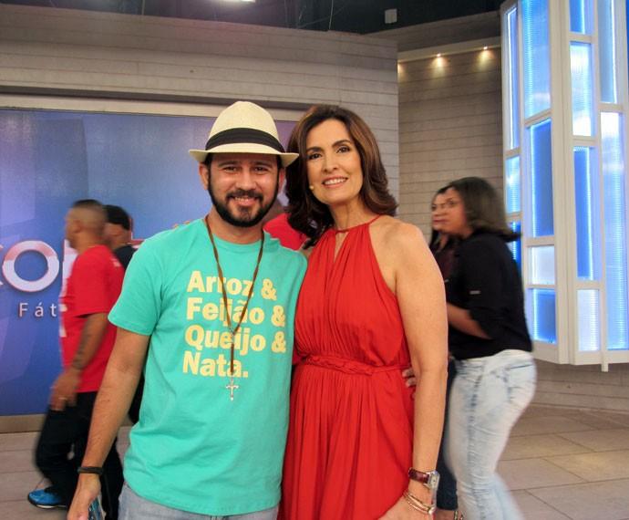 Fátima com o parceiro Bráulio Bessa (Foto: Priscilla Massena/Gshow)