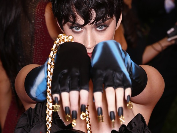 Katy Perry no baile de gala do MET, em Nova York (Foto: Reuters)