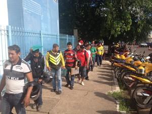 Concorrentes à concessão definitiva de mototáxi, em Macapá (Foto: John Pacheco/G1)