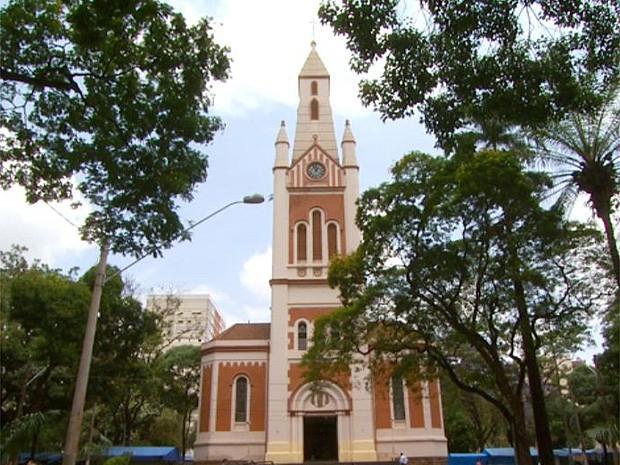 Após furtos, catedral de Ribeirão Preto deve receber câmeras de segurança (Foto: Reprodução/EPTV)