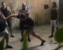 """Cena do filme """"Kickboxer"""" reúne Werdum, Roy Nelson, Tyson e Ronaldinho Gaúcho"""
