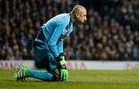 Melhor em campo na quarta, Gomes não evita derrota para Tottenham (Reuters)