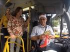 Passageiros fazem festa de fim de ano dentro de ônibus em Curitiba