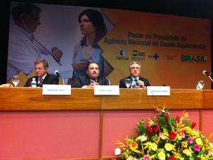 Ministro Alexandre Padilha participou de entrevista coletiva nesta quinta-feira, no Rio (Foto: Priscilla Souza /  G1)