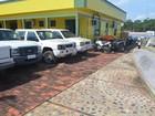 Veículos sucateados lotam pátio do setor de Endemias em Cruzeiro do Sul