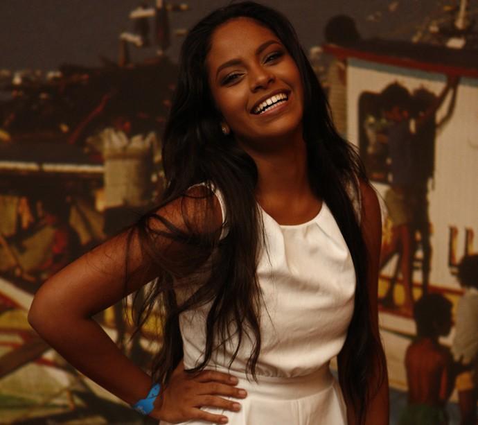 A cearense Larissa Góes estreia na TV em 'Velho Chico' aos 21 anos de idade (Foto: Inácio Moraes/ Gshow)